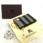 กระเป๋าใส่เหรียญ Burberry 4 นิ้ว สวยหรูน่ารัก ใส่เหรียญ นามบัตร มีขอเกี่ยวเป็นพวงกุญแจได้ อะไหล่ทอง ปากกระเป๋าซิป พร้อมกล่อง และถุงผ้า