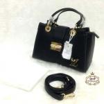 กระเป๋า Louis Vuitton 10 นิ้ว สวยเก๋อะไหล่ทอง ปากกระเป๋าซิป ด้านในบุอย่างดี มีช่องซืปหลัง พร้อมสายยาวถอดได้ และถุงผ้า