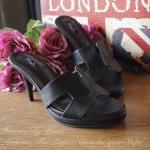 """รองเท้าแฟชั่น HERMES สไตล์ ทรงสวมเปิดหน้า แบบสุด Hot งานสวย วัสดุหนัง อย่างดี ทรงนี้ยอดนิยม รับรองใส่สวยเก็บทรงเท้าดี พื้นนิ่ม ใส่ง่ายๆ ดูดีแมทสไตล์ สีแดง ขาว ดำ สูง 3"""" เสริมหน้า 0.5"""""""