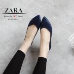 รองเท้าคัทชู ส้นแบบ STYLE ZARA เรียบเก๋ งานขายดี วัสดุผ้าสักหลาดเคลือบเงา ใส่แล้วขับผิวเท้า สวมใส่ง่าย ทรงสวยหน้าวี ใส่แล้วดูเท้าเรียว ส้นหนาเล็กน้อย ทำ ให้เดินสบายขึ้น ใส่ได้ตลอด แถมจับแมทกับชุดได้หลาย style สีดำ น้ำเงิน ครีม
