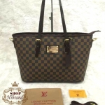 กระเป๋า Louis Vuitton 14 นิ้ว ทรง shopping สวยเก๋อะไหล่ทอง ปากกระเป๋าซิป ด้านในบุอย่างดี พร้อมสายยาวถอดได้ และถุงผ้า