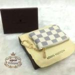 กระเป๋าใส่เหรียญ Louis Vuitton 4 นิ้ว เล็กหรูน่ารัก ใส่เหรียญ นามบัตร มีขอเกี่ยวเป็นพวงกุญแจ อะไหล่ทอง ปากกระเป๋าซิป พร้อมกล่องและ ถุงผ้า