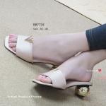 รองเท้าแฟชั่น ลำลองแบบสวม สวยเก๋ หน้าแต่ง V ทอง ความโดดเด่นอยู่ ตรงส้นทรงกลมสีทองเก๋ๆ สูง 2 นิ้ว ดูหรู มีสไตล์ แมทสวยได้ทุกชุด สีชมพู ดำ ครีม (BB7734)