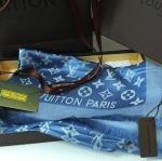ผ้าพันคอ Louis Vuitton ลายโมโนแกรม เรียบหรู เนื้อผ้าทอละเอียดนุ่มลื่น ขนาดประมาณ 70x180 cm. พันคอ คลุมไหล่สวยไฮโซ
