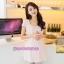 เสื้อคลุมท้องผ้ายืดสีชมพู แต่งหน้าอกด้วยรูปโบว์สีเงิน thumbnail 1
