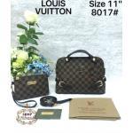 กระเป๋า Louis Vuitton 11 นิ้ว แต่ง LV ทองและเข็มขัดสวยเก๋ พรีเมียม ปากกระเป๋าซิป ด้านในบุอย่างดี พร้อมกระเป๋าเล็กเข้าชุด สายยาวถอด ได้ การ์ดและถุงผ้า