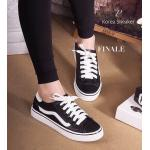 รองเท้าผ้าใบสุดเท่ห์ Korea Sneaker ทรง Classic ผูกเชือก วัสดุหนัง อย่างดี แต่งลายข้าง พื้นนิ่ม สบายเท้าสุดๆ แบบสวมใส่ง่าย คล่องตัว แมทได้ทุกชุด สีดำ (8915)