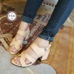 รองเท้าแฟชั่น แบบสวม หน้า H สไตล์แบรน์ ส้นเหลี่ยม รุ่นนี้พิเศษที่ใช้หนังนิ่มไร้ขอบ นิ่มมาก กระชับเท้า ส้นเหลี่ยมใส่ไม่เมื่อย มีสายรัดข้อแบบเกี่ยวใส่ง่าย แมทเก๋ได้ทุกชุด สูง 3 นิ้ว