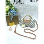 กระเป๋า Louis Vuitton 9 นิ้ว สวยหรูน่ารัก ด้านในบุอย่างดี พร้อมสายยาวถอดได้ และถุงผ้า
