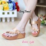 รองเท้าสุขภาพ ดีไซน์สวยน่ารัก style fitflop แบบสวมนิ้วโป้ง สายคาดหน้า ประดับดอกไม้ งานขายดี พื้นนุ่ม ใส่เดินสบายมาก สูง 1.5 นิ้ว สีดำ ตาล ครีม ขาว ทอง เงิน