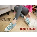 รองเท้าผ้าใบ เรียบเก๋ วัสดุผ้าแคนวาสอย่างดี แต่งสีขอบเส้น สี 2 tone งานสวย ขอบรองฟองน้ำนุ่ม มีเชือกผูกกระชับเท้า งานจริงสวยเป๊ะ ส้น เสมอ สูง 3 cm. ใส่สบาย ซักทำความสะอาดได้ปกติ แมทเก๋ได้ทุกชุด