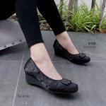 รองเท้าคัทชู ส้นเตารีด สวยหรู หนังซาตินปักลายสวยหรูคลาสสิก หน้าแต่งโบว์ ตัดเย็บเนี๊ยบ พื้นนิ่ม ส้นเสริม 2 นิ้ว ดูหรู หวานๆ ดูดี แมทได้ทุกชุด สูง 1.5 นิ้ว สีดำ กากี (9153)