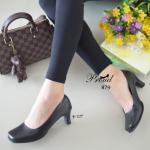 รองเท้าคัทชู ทรงหัวตัด สีดำ เรียบหรูคลาสสิค วัสดุพียูเงา ทรงเก็บหน้าเท้า ดูสุภาพเรียบร้อย ดูแลทำความสะอาดง่าย น้ำหนักเบาสบาย ใส่ได้ทุกวัยทุก โอกาส สูง 2.5 นิ้ว