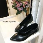 รองเท้าคัทชู ส้นเตี้ย ทรงสวย เรียบร้อยดูดี สีดำ