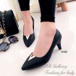 รองเท้าคัทชู สวยหรู สีดำ แต่งหน้าอะไหล่ทองตัว V เรียบเก๋ดูดี หนัง PU อย่างดี ใส่เดินสบายไม่กัดเท้า งานเนี๊ยบ ส้นสูง 2.5 นิ้ว แมทสวยได้ทุกชุด (8-422)