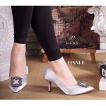 """รองเท้าคัทชู ส้นสูง MANOLO BLAHNIK Style ทรงหัวแหลม รุ่นยอดนิยม วัสดุผ้าซาตินเนื้อดี แต่งอะไหล่ signature ตามสไตล์แบรนด์ เพิ่มความเก๋ดู ดี ใส่นิ่มสบายเท้า ใส่สวย ดูเท้าเรียวเล็ก Must have สูง 3"""""""
