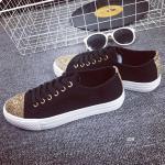รองเท้าผ้าใบแฟชั่น NEW Women's Gold Glitter Sneaker โดดเด่นด้วยการ แต่งกลิ้ตเตอรด้านบนหัวรองเท้า และส้นด้านหลัง วัสดุตัดเย็บจากผ้าใบอย่างดี พื้นรองเท้าจะเป็นพื้นยางขอบยาง งานคุณภาพ สวมใส่สบายสุดๆ จับคู่ใส่เสื้อผ้า ได้กับทุกสไตล์ ไม่มีวันตกเทรนด์ สีดำ