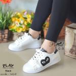 รองเท้าผ้าใบแบบผูกเชือก สไตล์ญี่ปุ่น สวยเก๋ แต่งลาย Play Comme เป็นโลโก้ หัวใจโทนสีตัดสวยสะดุดตา แมทง่าย สวยน่ารักแมทเก๋ได้ทุกชุด สูง 1 นิ้ว สีเขียว แดง ดำ