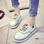 รองเท้าผ้าใบแฟชั่น วัสดุหนัง PU อย่างดี ดีไซน์สวยเป๊ะปัง แต่งด้วยเชือก รองเท้าหลากสีพร้อมเย็บด้ายแบบซิกแซกแต่งรอบตัวรองเท้า สวมใส่สบาย สูงหน้า 1.5 ซม. ส้นสูง2 ซม.