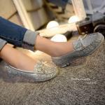GLISTER LOAFER STYLE VINTAGE รองเท้าคัชชู ทรง loafer วัสดุหนัง นิ่มผสมกลิสเตอร์วิ้งๆวับๆ สวยสะดุดตามากๆ คุณภาพระดับ High Quality แต่ง โบว์หน้าพร้อมติดอะไหล่สีทองเงาสวยหรูดู พื้นยางแบบปุ่มกันลื่นอย่างดี cutting เนี้ยบ ดีไซน์เน้นความเรียบเก๋ ใส่สบายยืดหยุ่น