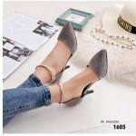 รองเท้าคัชชู ทรงหัวแหลมสไตล์แบรนด์ Zara วัสดุผ้าสักหลาดนุ่ม ๆ แบบรัดข้อ มาพร้อมอะไหล่ทองสไตล์แบรนด์ ส้นเข็ม 2 นิ้ว ใส่เดินสบาย