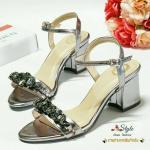 รองเท้าส้นสูง Style Miu Miu Shoes หนังเงาวาวประดับด้วยเพชร สวยไฮโซ ทรงสวย ใส่ง่าย มีสายรัดข้อ ปรับระดับได้ ส้นสูง 2.5 นิ้ว นิ่ม เบา ใส่สบาย แมท ได้กับทุกชุด มีไว้..ไม่ตกเทรนด์