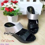 รองเท้าแฟชั่น ส้นเตารีดแบบสวม ดีเทลคาดหน้า 2 แถบ สีทูโทน งานสวย ความสูง 2.5 นิ้ว พื้นนุ่มมาก ใส่สบาย