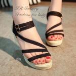 รองเท้าแฟชั่น ส้นเตารีด สวยเก๋ แบบสวมรัดส้น วัสดุเชือกสังเคราะห์นิ่ม ถักเปียดีไซน์งานเส้นเฉียงคาดหน้าเท้า สายรัดส้นยางยืดกระชับเท้า ส้น เตารีดสูง 3 นิ้ว สวยเก๋สวมใส่ได้ในทุกวัน สีครีม ดำ (6001)