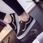 รองเท้าผ้าใบสุดน่ารัก Korea Sneaker ทรง Classic ผูกเชือก แต่งลายด้านข้าง แบบสวมใส่ง่าย คล่องตัว แมทเก๋ได้ทุกชุด