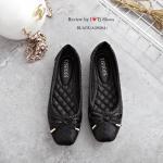 รองเท้าคัทชูส้นแบน สวยเก๋น่ารัก หนังนิ่มลายเกร๋ๆ แต่งโบว์ มาพร้อมพื้นบุนวมนิ่ม ใส่สบาย ส้นยางอย่างดี ทรงสวย แมทกับชุดได้หลาย style สามารถใส่ได้เรื่อยๆ สีดำ น้ำเงิน