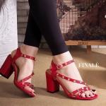 รองเท้าแฟชั่น แบบสวม รัดส้น ดีไซน์สวยเก๋เท่ห์ หนังเส้นไขว้หน้าดูเท้า เรียว แต่งหมุดสไตล์ valentino สายรัดส้นตะขอเกี่ยวใส่ง่าย ส้นตัน สูง ประมาณ 2.5 นิ้ว เดินง่ายใส่สบาย แมทสวยได้ทกชุด