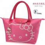 """กระเป๋าแฟชั่น สุดน่ารัก Style Hello Kitty ทรง shopping วัสดุผ้าร่มไนล่อนอย่างดี เพ้นท์หน้า Kitty น่ารัก หูจับเป็นหนังพียู ปากกระเป๋าซิป ด้านใน 1 ช่องใหญ่ ขนาด กำลังดี ฐานกว้าง13""""*สูง9.5"""" ถือแล้วน่ารักสุดๆ"""