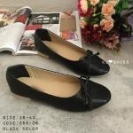 รองเท้าคัทชู ส้นแบน หัวมน style chanel ด้านหน้าตัดด้วยสีทองหนังลายสวย ผูกโบว์ด้านหน้า ใส่สบายเท้า แมทสวยได้ทุกชุด สีดำ ชมพู (988-06)