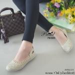 รองเท้าคัทชู ส้นเตี้ย ใส่สบาย วัสดุหนังนิ่มฉลุลายดอกไม้ พื้นซิลิโคนแบบ Slip on น้ำหนักเบา ใส่กระชับ สวมสบาย แมทง่าย ใส่ได้ทุกโอกาส สูง 2 เซน สีครีม ชมพู แทน