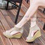 รองเท้าแฟชั่น ส้นเตารีด หุ้มส้น สวยไม่ซ้ำใคร วัสดุหนังกลับแต่งซิปด้านหน้า เว้าข้าง ส้นพียูน้ำหนักเบาสูง 3 นิ้ว แบบสวยเก๋ แมทซ์เสื้อผ้าง่าย สีดำ ครีม (588)