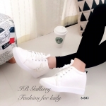 รองเท้าผ้าใบแฟชั่น เสริมส้น หนังพียูนิ่มคุณภาพดี แบบผูกเชือก แต่งอะไหล่ คริสตัล Logo Playboy สูง 2.5 นิ้ว แมทเก๋ได้ทุกชุด สีดำ ขาว (6-603)
