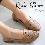 ื้รองเท้าคัทชู ส้นแบน สวยเก๋ด้วยหนังฉลุลายสไตล์วินเทจ พื้นนิ่มมากแบบ รองเท้าสุขภาพ เน้นสวม เดินง่ายสะดวกสบาย ส้น 1 นิ้ว เก็บทรงเท้า แมท สวยได้ทุกชุด สีดำ น้ำตาล (7104)