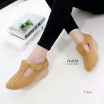 รองเท้าคัทชู ส้นเตารีด เรียบหรูน่ารัก หนังนิ่มมาก แปะเมจิกเทปด้านข้าง ใส่ง่าย น้ำหนักเบา แมชกับยีนส์ หรือ เลคกิ้งก็น่ารัก สูง 2.5 นิ้ว สีดำ แทน ครีม ชมพู