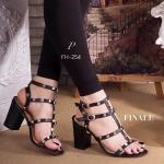 รองเท้าส้นสูง VALENTINO Style สวยเก๋เท่ห์ วัสดุหนังอย่างดี ดีไซน์สายคาด 3 เส้นและรัดข้อ แต่งหมุดทองสวยดูดี ใส่นิ่มสบายไม่บีบเท้า รัดข้อเท้าสายปรับ กระชับได้ แมทสวยเก๋ได้ทุกชุด สีดำ ครีม สูง 3 นิ้ว (FH-353)