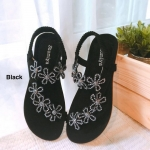 รองเท้าแตะแฟชั่น รัดส้น สวยน่ารัก หนังกำมะหยี่สวยขับผิว แต่งอะไหล่ ดอกไม้คลิสตัลสวยวิ้ง สายรัดส้นยางยืด ใส่สบาย แมทสวยได้ทุกวัน
