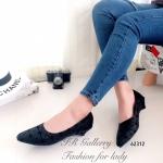 รองเท้าคัทชู ส้นเตี้ย สวยเก๋ วัสดุหนังวิ้งพิมพ์ลาย Bao Bao Style จากแบรนด์ ดัง Issey Miyake ส้นหนา 1.5 นิ้ว หนังนิ่มมาก ซับในกำมะหยี่ ใส่สบายไม่กัด เท้า ใส่สวยลงตัว (62312)