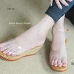 รองเท้าลำลองส้นเตารีด C-Thru Wedged Sandals แบบสวมหน้าพลาสใสนิ่ม พื้น PU น้ำหนักเบามาก สูงประมาณ 3 นิ้ว ให้คุณอวดผิวเท้าและเล็บเท้าสีสดๆ ได้เต็มๆ