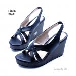"""รองเท้าแฟชั่น ส้นเตารีด สไตล์รัดส้น งานหนังพียูด้านหน้าดีไซน์เก๋ๆ มาพร้อม สายรัดส้นแบบยางยืด ใส่ง่ายถอดง่าย แมทได้ทุกชุด สูง 3.5"""""""