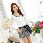 [พรีออเดอร์] เสื้อเชิ้ตทำงานแฟชั่นเกาหลี สีขาว แขนยาว ประดับลูกไม้และมุก คอวี -[Preorder] Women Korean Hitz Slim Lace Chiffon Long-sleeved Beaded V-Neck Female Shirt