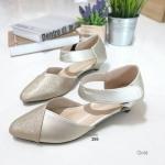 """รองเท้าคัทชู ส้นเตี้ย สวยเรียบหรู หนัง PU นิ่ม ตัดสีทูโทน ใส่รัดส้นแปะเมจิกเทป ใส่สบาย แมทได้ทุกชุด ส้น 1.5"""" สีทอง ชมพู"""