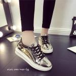 รองเท้าผ้าใบแฟชั่น สไตล์เกาหลี วัสดุหนังเมทัลลิกเงา โดดเล่นและสวยเท่ห์ได้ ไม่ซ้ำใคร สาวๆ แฟชั่นนิสต้า ห้ามพลาดเลยค่า สูง 1 นิ้ว