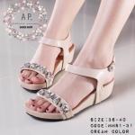 รองเท้าแฟชั่น สวม รัดส้น sandals shoes สไตล์ MIU MIU brand สวยหรู ด้านหน้าติดแต่งเพชรคริสตัล รัดข้อเท้า สายปรับระดับได้ พื้นบุหนานิ่มสบาย เท้า งานคุณภาพ