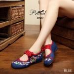 รองเท้าผ้า สวยโดดเด่นด้วยลายปักดอกไม้สวยงาม ผ้าทอเนื้อแน่นอย่างดี รัดข้อกลัดกระดุมจีนสวยเก๋ แบบอินเทรนด์ ส้นสูง 1 นิ้วใส่สบายมาก