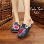 รองเท้าคัทชู ลำลอง เปิดส้น สไตล์ไชน่า สุดน่ารัก วัสดุผ้าแคนวาส ปักด้าน หน้าลายดอกไม้สีสันสดใส ส้นแต่งสานด้วยเชือกปอ หนา 1 นิ้ว พื้นยางเนื้อ แน่น งานสวยมาก สีฟ้า ครีม
