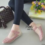 รองเท้าคัชชูส้นเตี้ยเดินสบาย เพื่อสุขภาพ วัสดุหนังสังเคราะห์ฉลุลายดอกไม้ ดีเทลสายคาดปรับระดับได้แบบเมจิกเทป พื้นส้นซิลิโคน น้ำหนักเบา ใส่กระชับ สวมสบาย แมทง่าย ใส่ได้ทุกโอกาส สูง 2 เซน